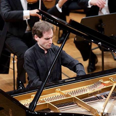 פרס בינלאומי יוקרתי לפסנתרן בוריס גילטבורג מבית הספר למוזיקה