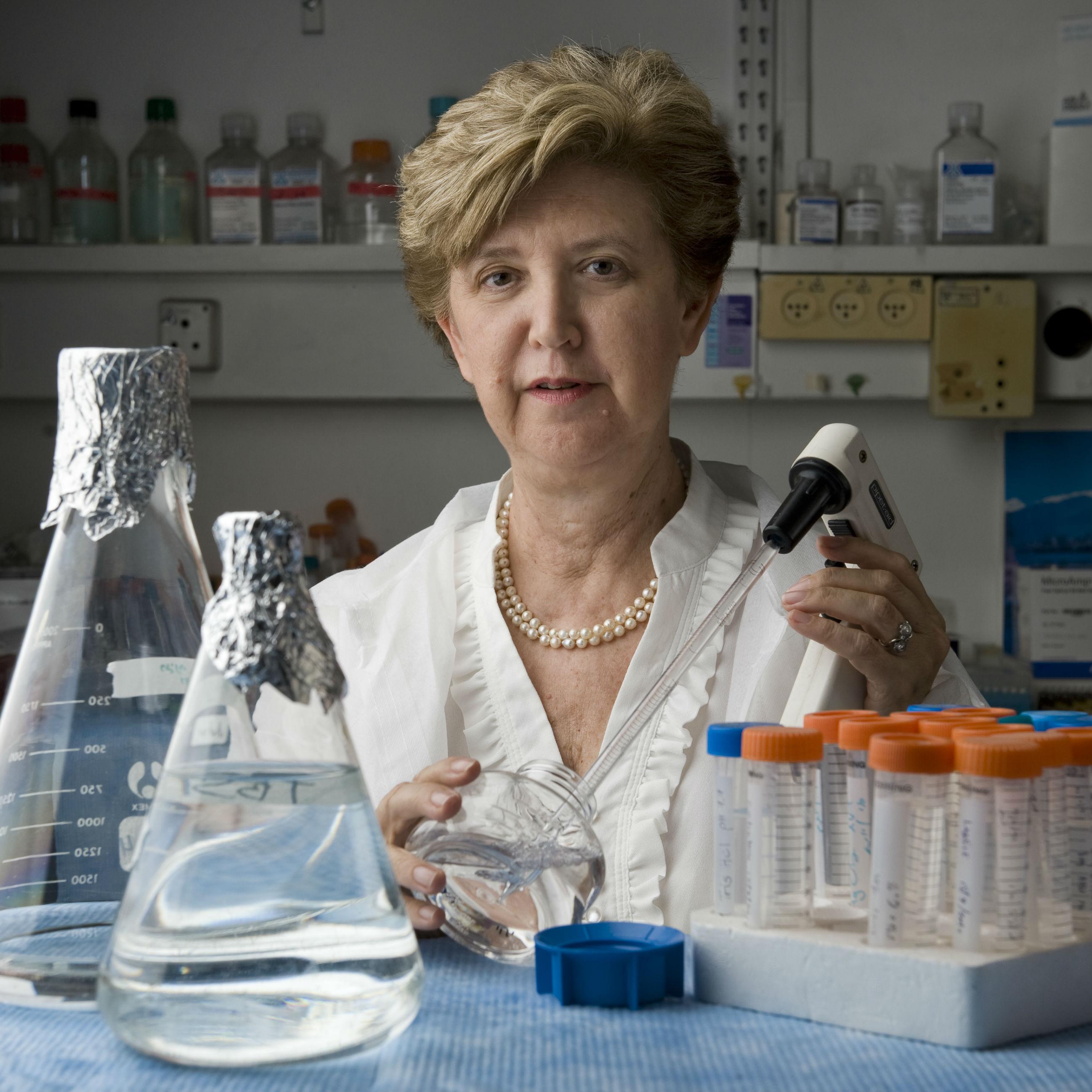 """פרס מפעל הפיס ע""""ש לנדאו בתחום מדעי החיים הוענק לפרופ' אילנה גוזס"""