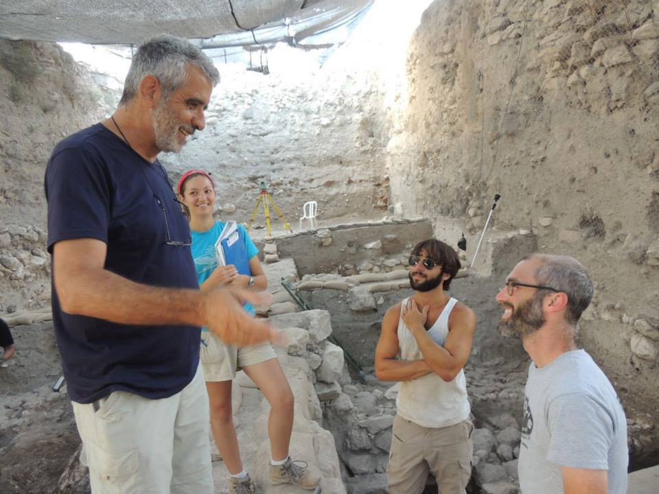 בעקבות האוצרות הנסתרים של תל מגידו - קול קורא למתנדבים בחפירות הארכיאולוגיות בקיץ 2016