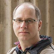 פרופ' רן שפיגלר מאוניברסיטת תל אביב זכה בפרס איריו יהנסון לכלכלה