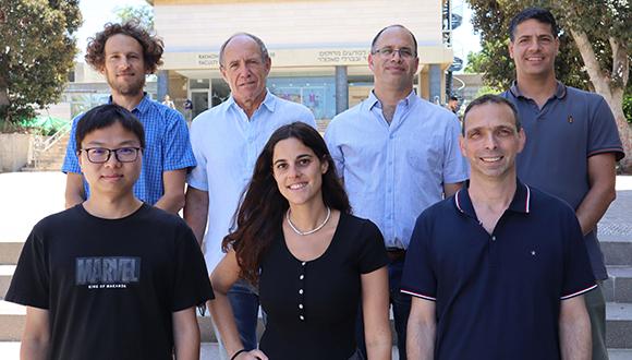 צוות המחקר המהפכני
