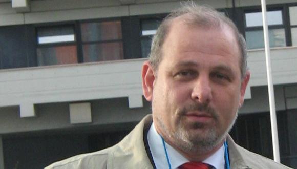 """ד""""ר לב אפלבאום - הזוכה הישראלי הראשון במדליית הויגנס היוקרתית"""