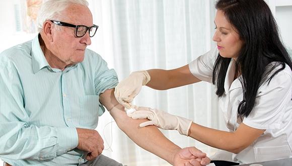 בדרך לאבחון מוקדם של אלצהיימר בבדיקת דם פשוטה