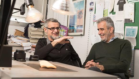 פרופ' ישראל פינקלשטיין ופרופ' אלי פיאסצקי נזכרים איך הכל התחיל (צילום: יורם רשף)