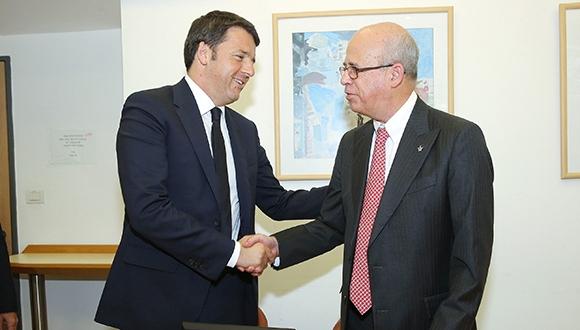ראש ממשלת איטליה, מתאו רנצי, ונשיא האוניברסיטה פרופ' יוסף קלפטר