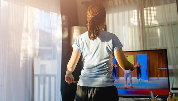 בזמן סגר כללי: פעילות ספורט קבוצתית מקוונת מפחיתה את תחושות הסכנה והלחץ