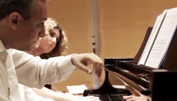 בפסנתר אחד או בשניים - פרויקט MultiPiano