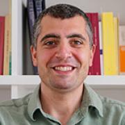פרופ' דומניקו אגוסטיני
