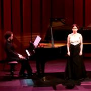 הגר שרביט, בוגרת בית הספר למוזיקה, זכתה בתחרות זמרה בינלאומית