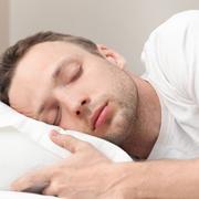 """החוקרים הצליחו להוכיח שתנודת העיניים בשינה מחליפה """"שקופיות"""" בחלום"""